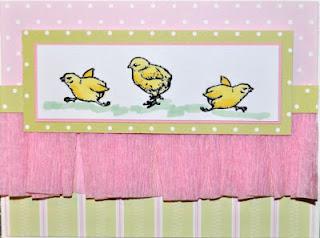 Chick Running Right 1 x 1 1/4-33616